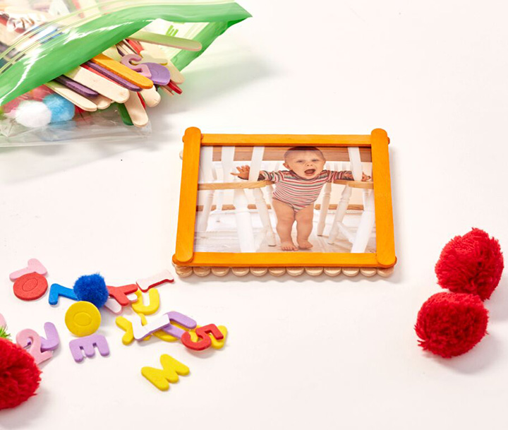 "DIY: Fun frames using 4x4"" prints to make with the kids!"